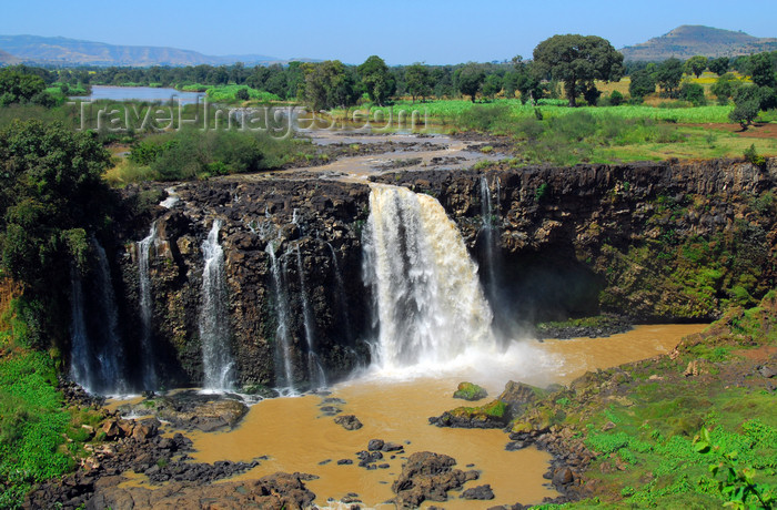 ethiopia441: Blue Nile Falls - Tis Issat, Amhara, Ethiopia: a dam limits the water flow - photo by M.Torres - (c) Travel-Images.com - Stock Photography agency - Image Bank