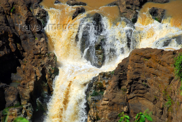 ethiopia442: Blue Nile Falls - Tis Issat, Amhara, Ethiopia: lower falls - some of this water will reach the Mediterranean sea - photo by M.Torres - (c) Travel-Images.com - Stock Photography agency - Image Bank