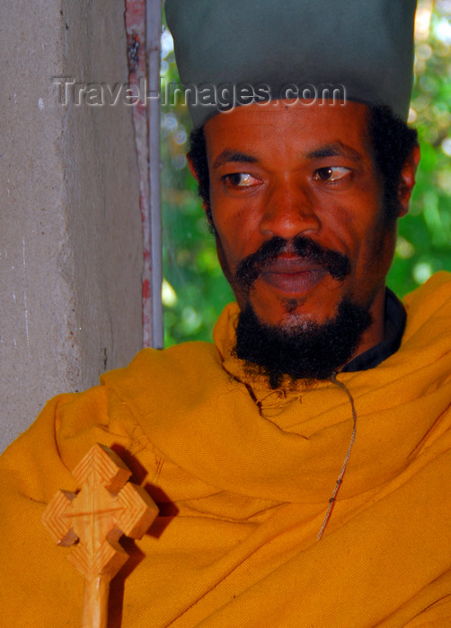 ethiopia458: Lake Tana, Amhara, Ethiopia: Entos Eyesu Monastery - Coptic priest - Ethiopian Orthodox Tewahedo Church - photo by M.Torres - (c) Travel-Images.com - Stock Photography agency - Image Bank