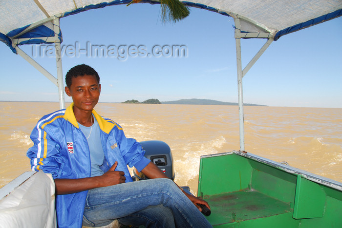 ethiopia496: Lake Tana, Amhara, Ethiopia: boat captain - photo by M.Torres  - (c) Travel-Images.com - Stock Photography agency - Image Bank