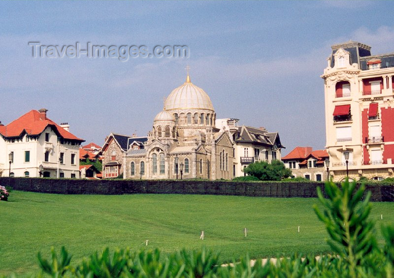 eusk12: Basque Country / Pais Vasco / Euskadi - Biarritz: the Russian Orthodox Church - Eglise Alexandre Nevsky (photo by Miguel Torres) - (c) Travel-Images.com - Stock Photography agency - Image Bank