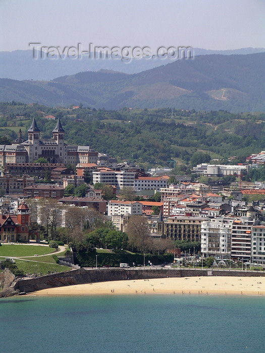 eusk39: Basque Country / Pais Vasco / Euskadi - Donostia / San Sebastian: town view and La Concha Beach - photo by R.Wallace - (c) Travel-Images.com - Stock Photography agency - Image Bank