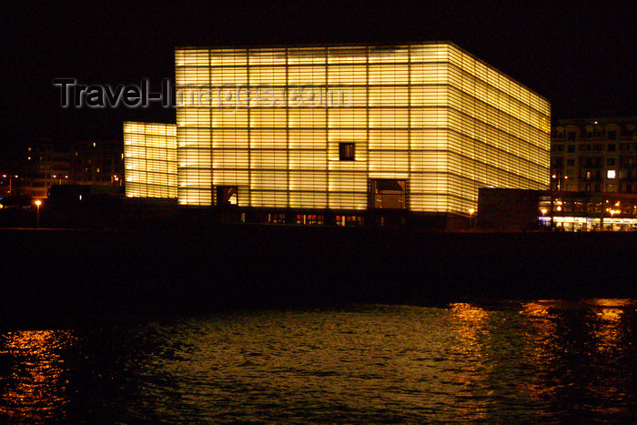 eusk52: Donostia-San Sebastián, Gipuzkoa province, Euskadi: Kursaal Congress Palace and Auditorium - nocturnal - architect Rafael Moneo - Paseo de Zurriola - photo by J.Zurutuza - (c) Travel-Images.com - Stock Photography agency - Image Bank