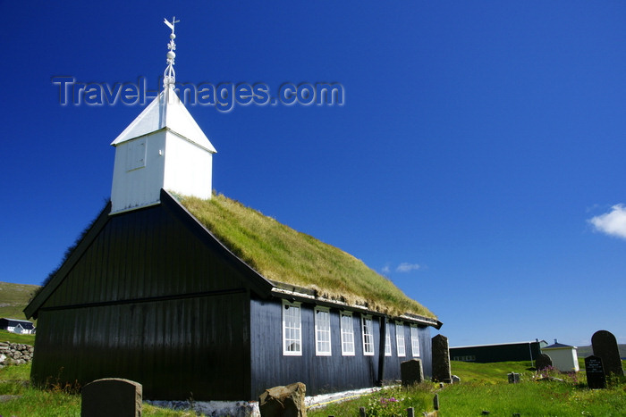 faeroe112: Kaldbak, Streymoy island, Faroes: old timber church built in 1835 - Evangelical-Lutheran - Føroya Kirkja - Torshavnar municipality - photo by A.Ferrari - (c) Travel-Images.com - Stock Photography agency - Image Bank