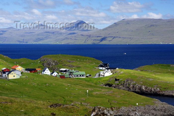faeroe117: Nólsoyarfjørður, Streymoy island, Faroes: houses and fjord, just outside Tórshavn - east coast of Streymoy - photo by A.Ferrari - (c) Travel-Images.com - Stock Photography agency - Image Bank