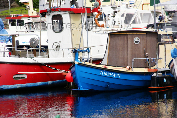 faeroe133: Tórshavn, Streymoy island, Faroes: boats in Vestaravag harbour - photo by A.Ferrari - (c) Travel-Images.com - Stock Photography agency - Image Bank