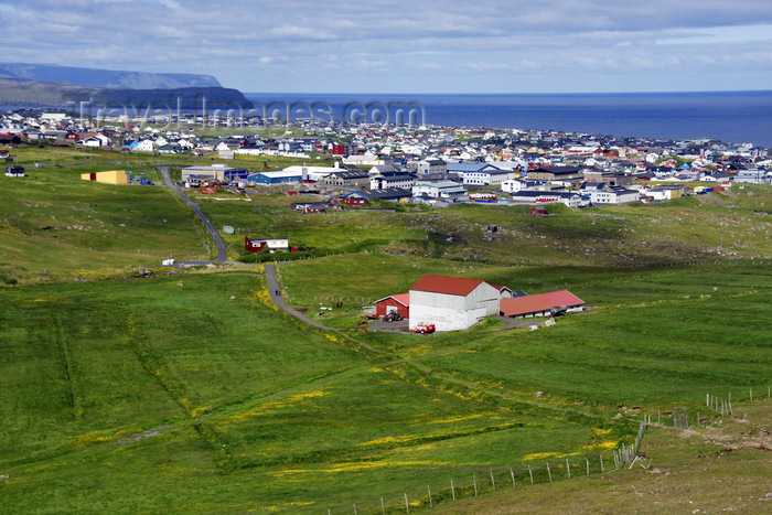 faeroe137: Tórshavn, Streymoy island, Faroes: view over Tórshavn - founded in the 9th century by Viking settlers - photo by A.Ferrari - (c) Travel-Images.com - Stock Photography agency - Image Bank