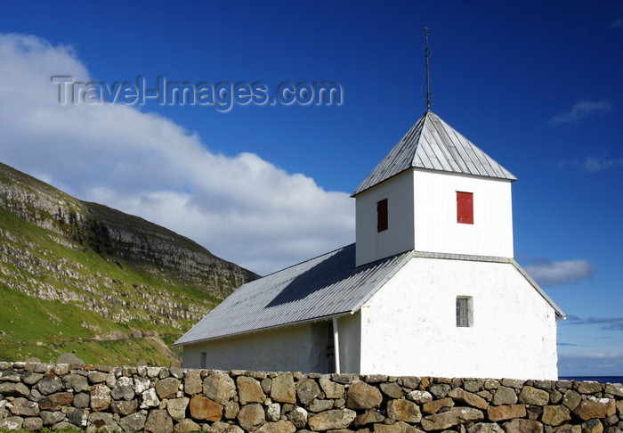 faeroe145: Kirkjubøur, Streymoy island, Faroes: whitewashed walls of Saint Olav's church - Olavskirkjan - photo by A.Ferrari - (c) Travel-Images.com - Stock Photography agency - Image Bank