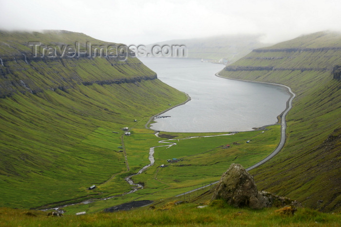 faeroe148: Streymoy island, Faroes: view over Kaldbaksfjørður fjord, Kaldbaksbotnur village and the coastal road - east coast of Streymoy - photo by A.Ferrari - (c) Travel-Images.com - Stock Photography agency - Image Bank