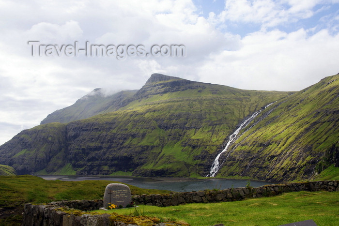 faeroe151: Saksun, Streymoy island, Faroes: cemetery, waterfall and the freshwater lake that was once an inlet - photo by A.Ferrari - (c) Travel-Images.com - Stock Photography agency - Image Bank