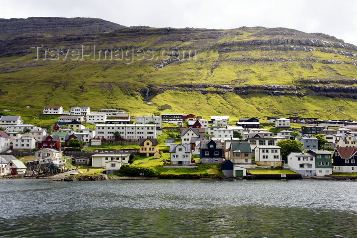 faeroe156: Klaksvik, Borðoy island, Norðoyar, Faroes: waterfront - the second largest town of the Faroe Islands - photo by A.Ferrari - (c) Travel-Images.com - Stock Photography agency - Image Bank