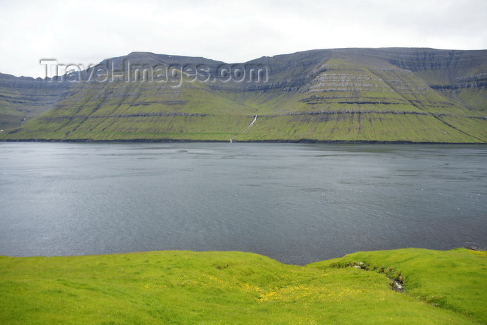 faeroe161: Kunoy island, Norðoyar, Faroes: seen from Kalsoy, across the Kalsoyarfjørður - photo by A.Ferrari - (c) Travel-Images.com - Stock Photography agency - Image Bank