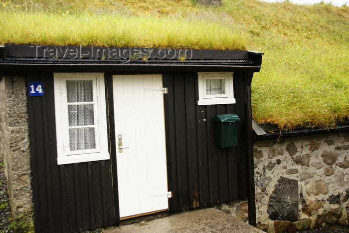 faeroe2: Norðragøta village, Eysturoy island, Faroes: entrance door of a Faroese house - photo by A.Ferrari - (c) Travel-Images.com - Stock Photography agency - Image Bank