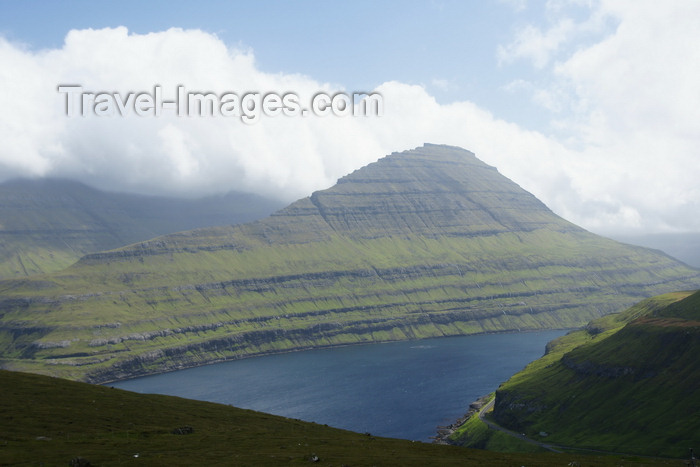 faeroe21: Eysturoy island, Faroes: view over Funningsfjørður inlet - photo by A.Ferrari - (c) Travel-Images.com - Stock Photography agency - Image Bank