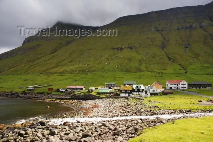 faeroe25: Elduvik village, Eysturoy island, Faroes: rocky beach and stream 'estuary' - photo by A.Ferrari - (c) Travel-Images.com - Stock Photography agency - Image Bank
