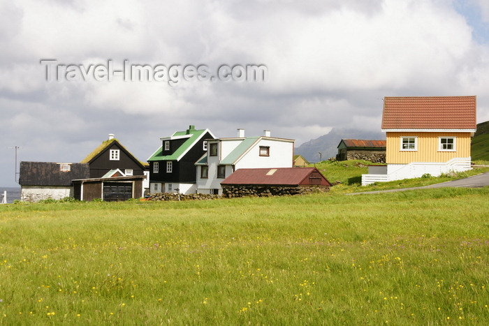 faeroe26: Elduvik village, Eysturoy island, Faroes: field and village houses - photo by A.Ferrari - (c) Travel-Images.com - Stock Photography agency - Image Bank