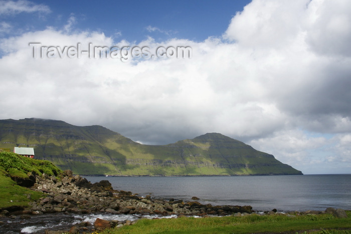 faeroe33: Elduvik village, Eysturoy island, Faroes: view towards Funningsfjørður inlet - photo by A.Ferrari - (c) Travel-Images.com - Stock Photography agency - Image Bank