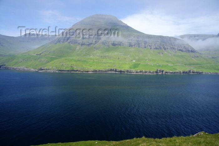 faeroe79: Sørvágsfjørður fjord, Vágar island, Faroes: austere beauty of the Faroese archipelago - photo by A.Ferrari - (c) Travel-Images.com - Stock Photography agency - Image Bank
