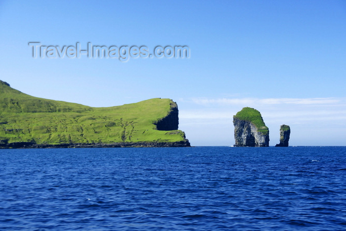 faeroe84: Drangarnir sea stacks, Vágar island, Faroes: Stóri Drangur and Lítli Drangur - photo by A.Ferrari - (c) Travel-Images.com - Stock Photography agency - Image Bank