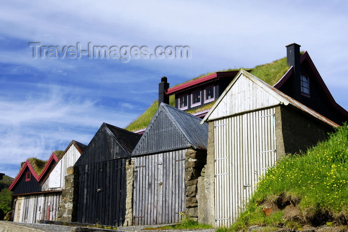 faeroe92: Leynar village, Streymoy island, Faroes: green roofed house and fishermen's huts - photo by A.Ferrari - (c) Travel-Images.com - Stock Photography agency - Image Bank