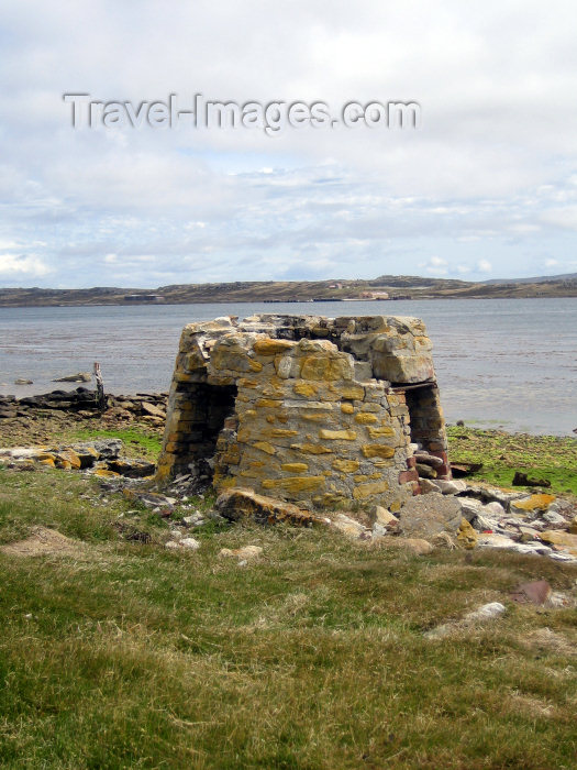 falkland1: Falkland islands / Ilhas Malvinas - East Falkland island - Stanley: ruined tower - photo by C.Breschi - (c) Travel-Images.com - Stock Photography agency - Image Bank