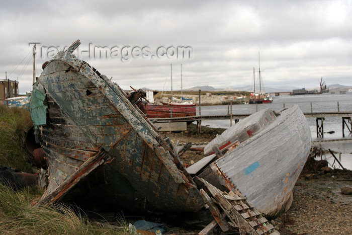falkland12: Falkland islands / Islas Malvinas - Stanley: old boats - photo by C.Breschi - (c) Travel-Images.com - Stock Photography agency - Image Bank