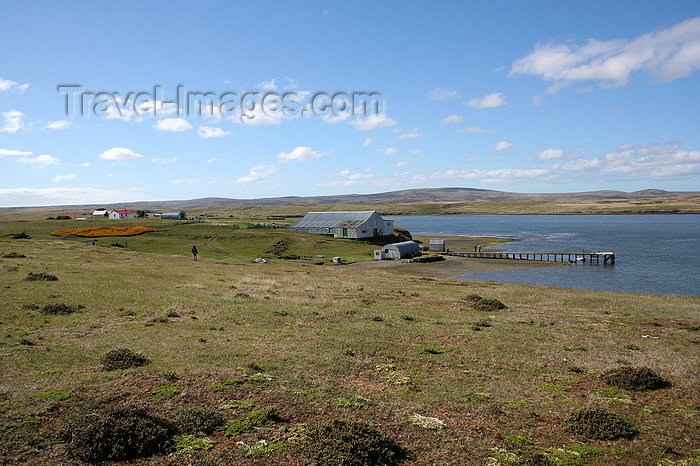 falkland28: Falkland islands - East Falkland - Port Louis - pier - photo by Christophe Breschi - (c) Travel-Images.com - Stock Photography agency - Image Bank
