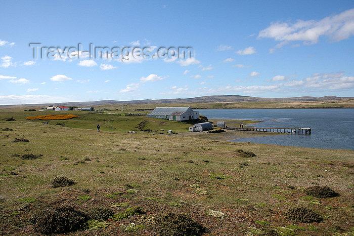 falkland28: Falkland islands - East Falkland - Port Louis - pier - photo by Christophe Breschi - (c) Travel-Images.com - Stock Photography agency - Image Bank