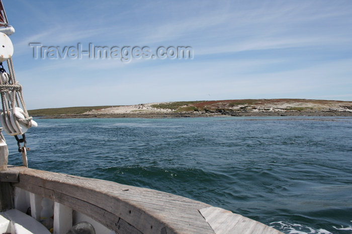 falkland49: Falkland islands - East Falkland - Salvador - the coast - sailing - photo by Christophe Breschi - (c) Travel-Images.com - Stock Photography agency - Image Bank