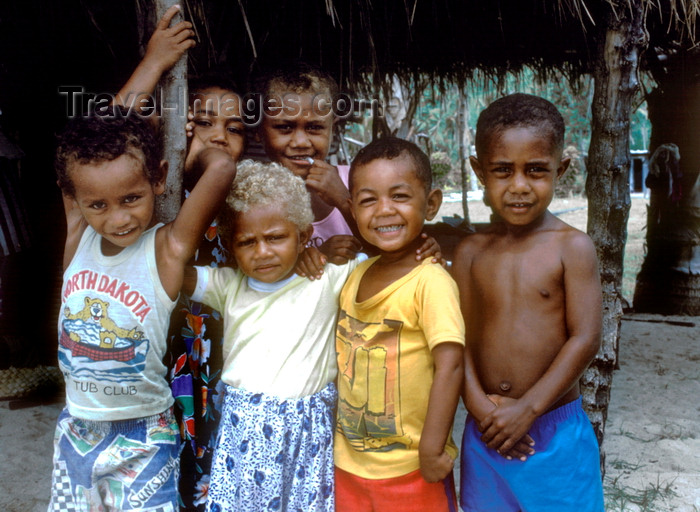 fiji14: Naviti Island, Yasawa group, Fiji: Fijian children in the village of Soso - photo by C.Lovell - (c) Travel-Images.com - Stock Photography agency - Image Bank