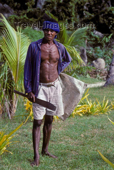 fiji17: Waya Island, Yasawa Islands, Fiji: native Fijian man with a machete - village of Nalauwaki - photo by C.Lovell - (c) Travel-Images.com - Stock Photography agency - Image Bank