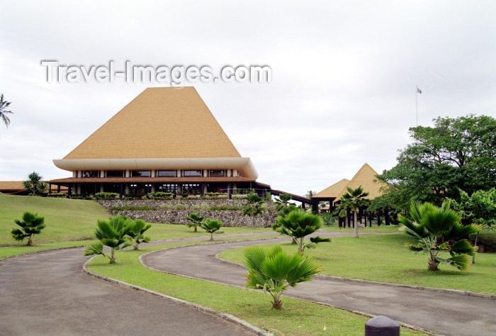 fiji2: Suva, Viti Levu island, Fiji: Parliament House with traditional tall roof - photo by R.Eime - (c) Travel-Images.com - Stock Photography agency - Image Bank