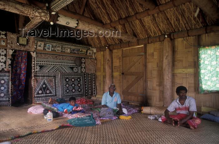 fiji21: Nacula Island, Yasawa group, Ba Province, Fiji: interior of chief's house in Mala Kati Village – people on floor - bure interior - photo by C.Lovell - (c) Travel-Images.com - Stock Photography agency - Image Bank