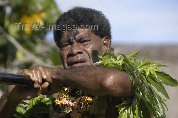 fiji29: Denarau Island, Viti Levu, Fiji: male performer  covered in tree leaves - Fijian artist - photo by B.Cain - (c) Travel-Images.com - Stock Photography agency - Image Bank