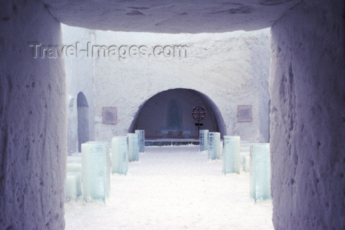 fin104: Finland - Lapland - Kemi - snow church - nave - Arctic images by F.Rigaud - (c) Travel-Images.com - Stock Photography agency - Image Bank