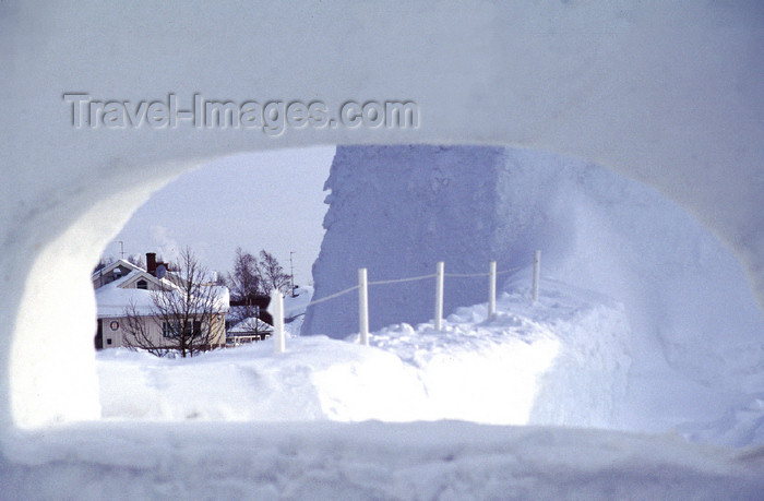fin109: Finland - Lapland - Kemi - view from the Snow Hotel - Arctic images by F.Rigaud - (c) Travel-Images.com - Stock Photography agency - Image Bank