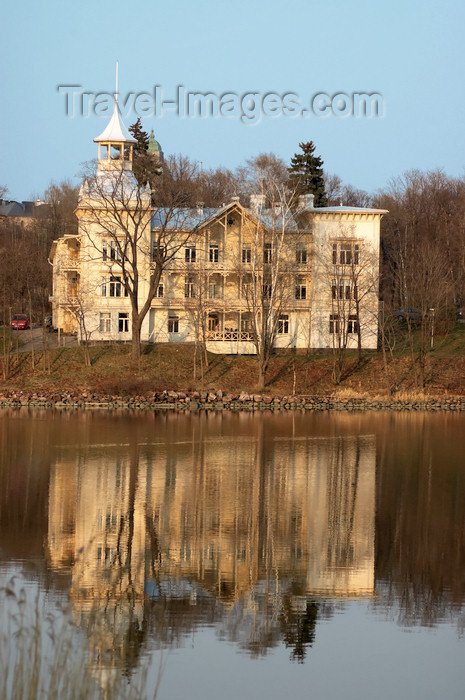 fin122: Finland - Helsinki, Töölö bay, old mansion on the other side of the bay - photo by Juha Sompinmäki - (c) Travel-Images.com - Stock Photography agency - Image Bank