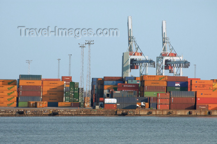 fin134: Finland - Helsinki, Ruoholahti area, containers at the port - photo by Juha Sompinmäki - (c) Travel-Images.com - Stock Photography agency - Image Bank