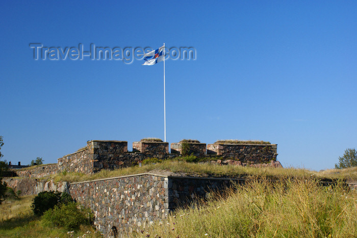fin166: Helsinki, Finland: Finnish flag at Suomenlinna sea fortress - UNESCO World Heritage Site - photo by A.Ferrari - (c) Travel-Images.com - Stock Photography agency - Image Bank
