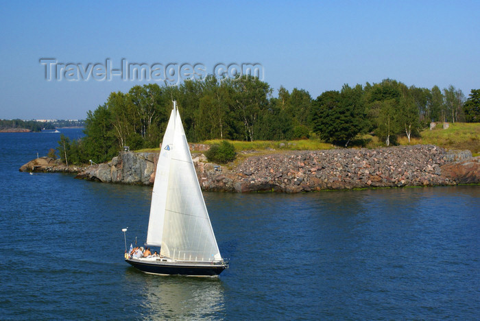 fin167: Helsinki, Finland: sailing boat passing by Suomenlinna sea fortress - UNESCO World Heritage Site - photo by A.Ferrari - (c) Travel-Images.com - Stock Photography agency - Image Bank