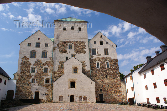 fin177: Turku, Western Finland province - Finland Proper region / Varsinais-Suomi - Finland: medieval keep of Turku castle - a former prison / Turun linna / Åbo slott - photo by A.Ferrari - (c) Travel-Images.com - Stock Photography agency - Image Bank