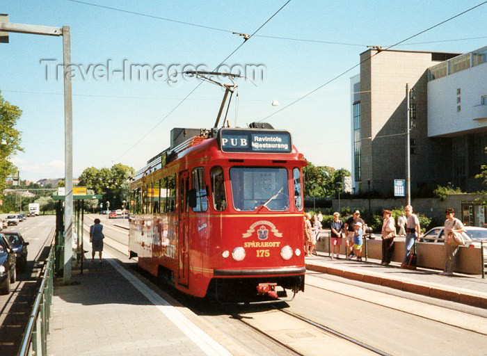 fin2: Finland - Finland / Suomi - Helsinki / HEL / HEM : Pub on a tram (Kuva / photo by Miguel Torres) - (c) Travel-Images.com - Stock Photography agency - Image Bank