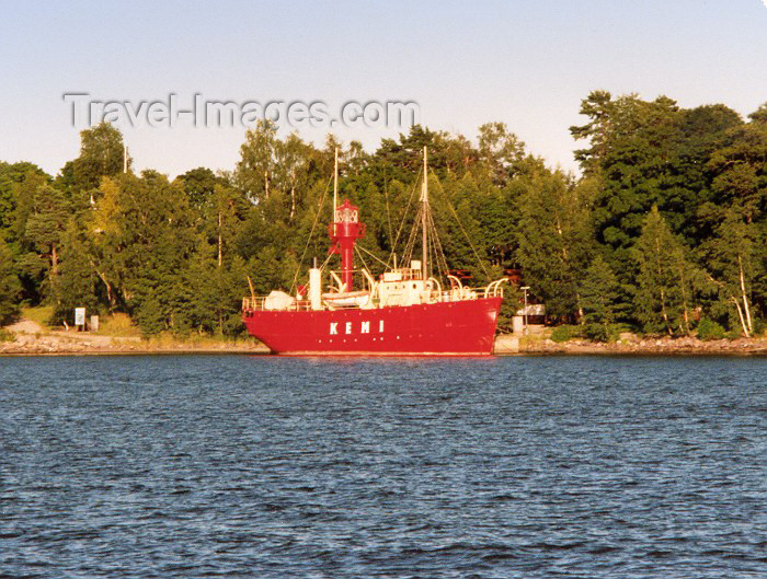 fin21: Helsinki: the Kemi - floating lighthouse (photo by Miguel Torres) - (c) Travel-Images.com - Stock Photography agency - Image Bank