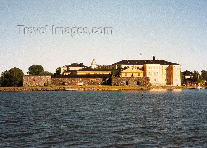fin22: Finland / Suomi - Helsinki: harbour defences (photo by Miguel Torres) - (c) Travel-Images.com - Stock Photography agency - Image Bank