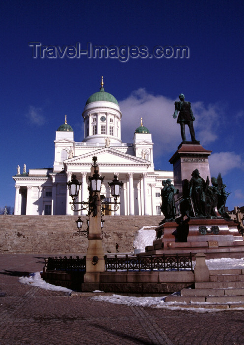fin29: Finland - Helsinki - Evangelical Lutheran Cathedral,  neoclassical style - designed by Carl Ludvig Engel - Senate square - Statue of Tsar Alexander II - Helsingin tuomiokirkko - photo by F.Rigaud - (c) Travel-Images.com - Stock Photography agency - Image Bank