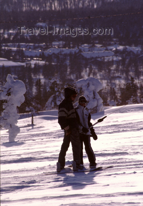 fin37: Finland - Lapland - Saarselkä - ski lift - Arctic images by F.Rigaud - (c) Travel-Images.com - Stock Photography agency - Image Bank
