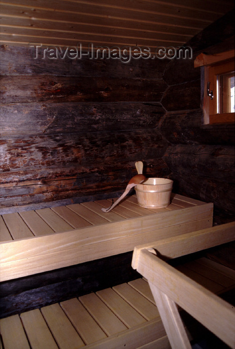 fin41: Finland - Lapland - Saariselkä - Kakslauttanen Lap Hotel & Igloo Village - sauna - Arctic images by F.Rigaud - (c) Travel-Images.com - Stock Photography agency - Image Bank
