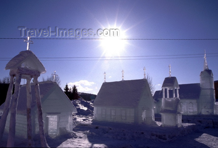 fin55: Finland - Lapland: ice churchs under the sun (photo by F.Rigaud) - (c) Travel-Images.com - Stock Photography agency - Image Bank
