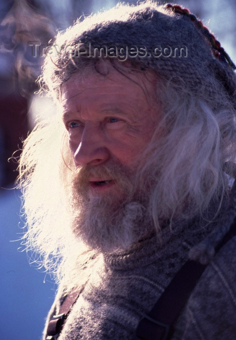 fin58: Finland -Levi: man (photo by F.Rigaud) - (c) Travel-Images.com - Stock Photography agency - Image Bank