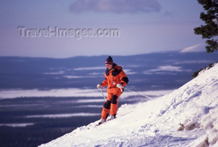 fin63: Finland - Levi: skier (photo by F.Rigaud) - (c) Travel-Images.com - Stock Photography agency - Image Bank